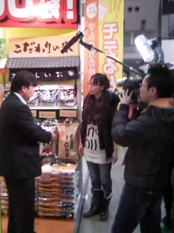 【2009スーパーマーケット・トレードショー】TBSテレビ「イブニング・ファイブ」の取材がありました。